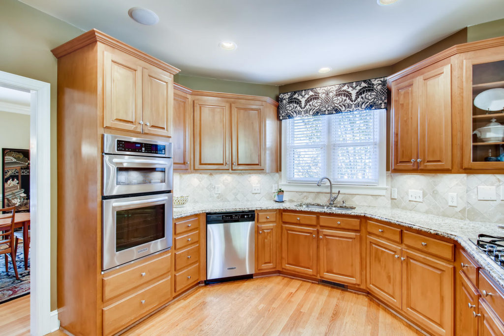 Newest Listing!! Gallery Image 9
