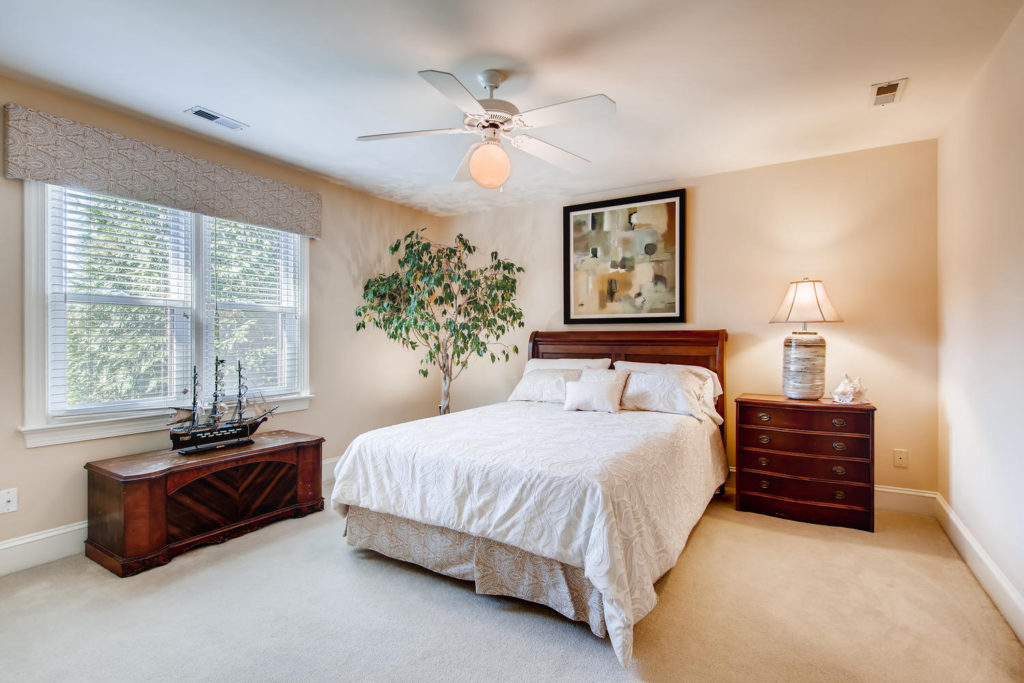 Newest Listing!! Gallery Image 16