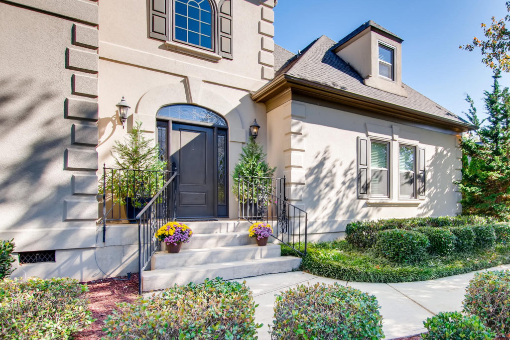 Newest Listing!! Gallery Image 1