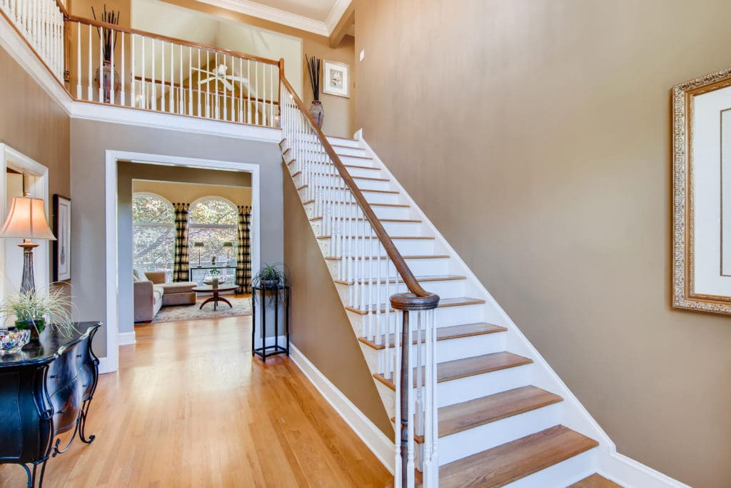 Newest Listing!! Gallery Image 2