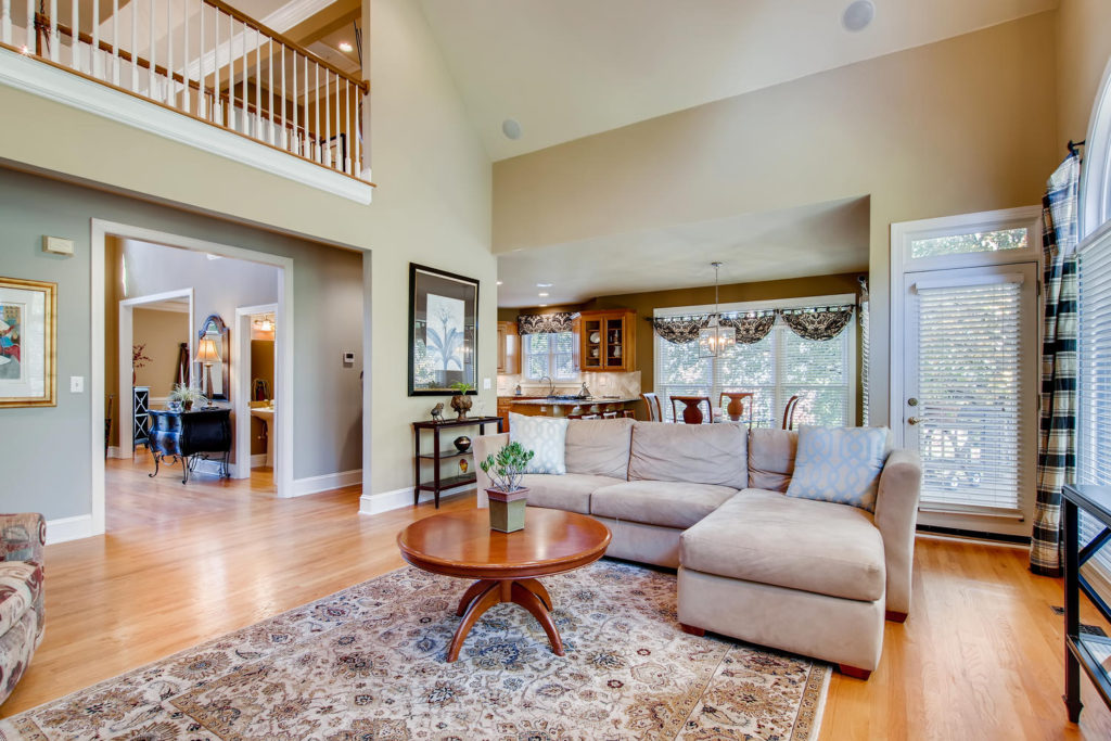Newest Listing!! Gallery Image 3